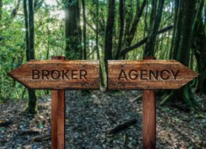 Is There a Difference Between an Insurance Broker and an Agency?