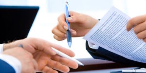 Insurance Broker vs. Direct Writer: What's The Difference?